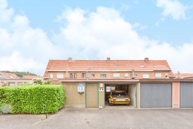 Woning met garage en uitweg in rustige woonwijk te Ingelmunster.