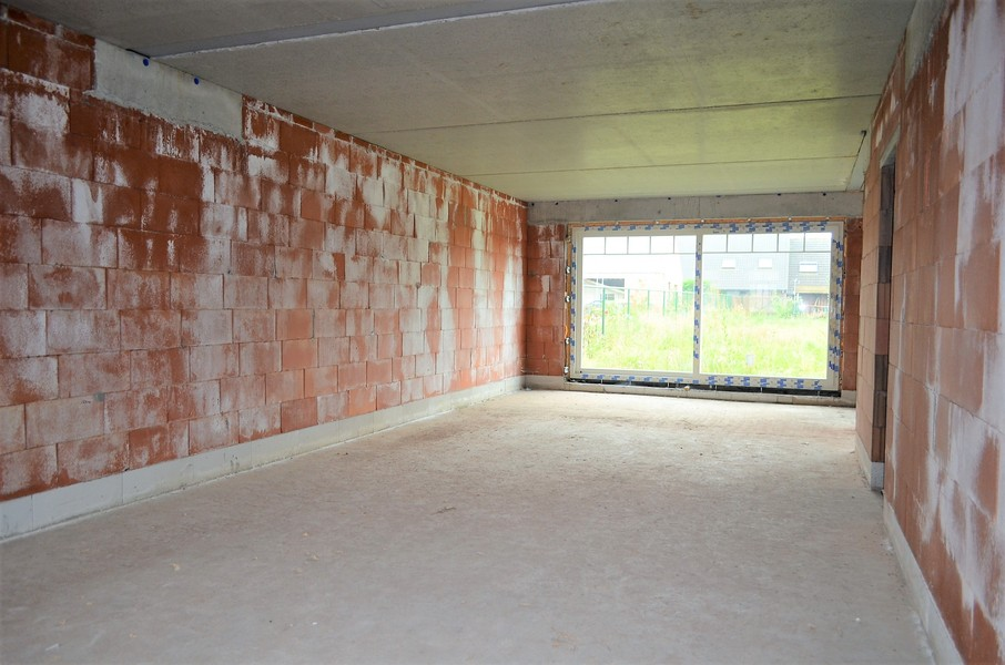 Zéér ruime nieuwbouwwoning met garage vlakbij centrum van Ledegem.