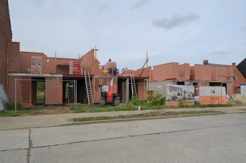 4 hedendaagse nieuwbouwwoningen te Oekene.
