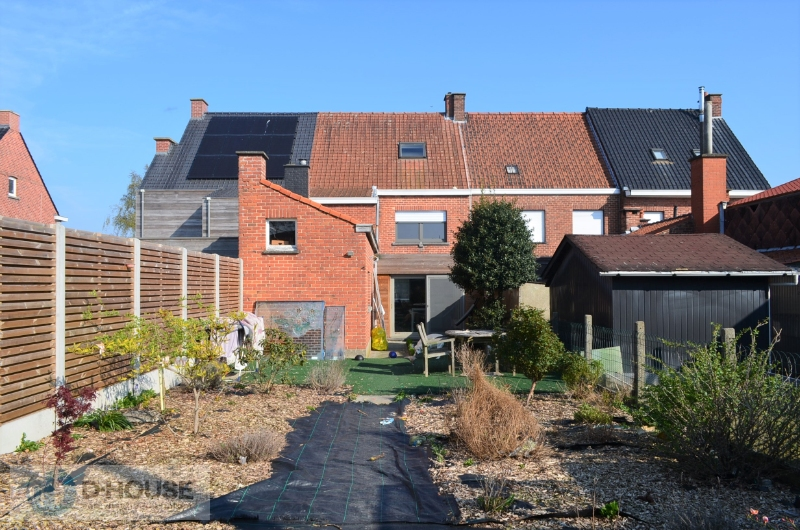 Karaktervolle woning in het centrum van Lendelede.