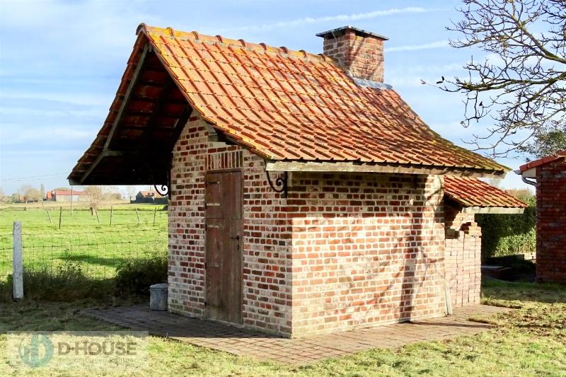 Authentieke woning te midden de velden te Watou (Poperinge).