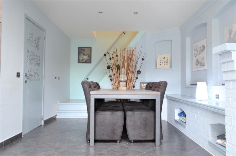 Instapklare gezellige woning met mogelijkheid tot het uitoefenen van uw handelszaak te Ingelmunster.